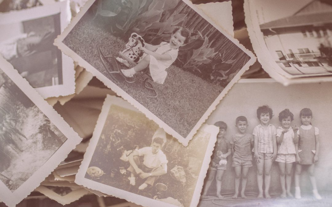 Old black and white family-photos featuring mostly children